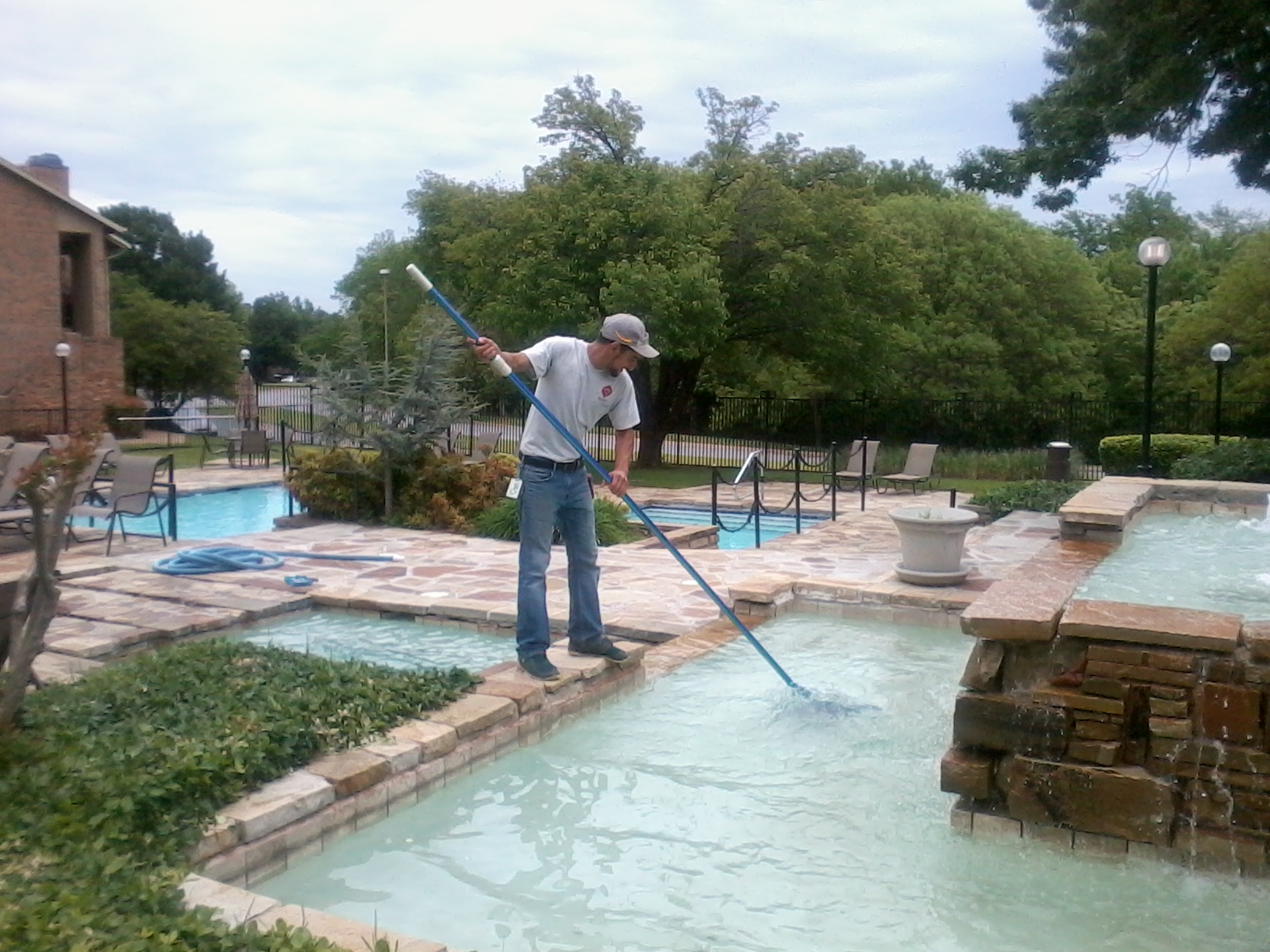 Pool Cleaning And Maintenance top 3 reasons to hire a pool cleaning service